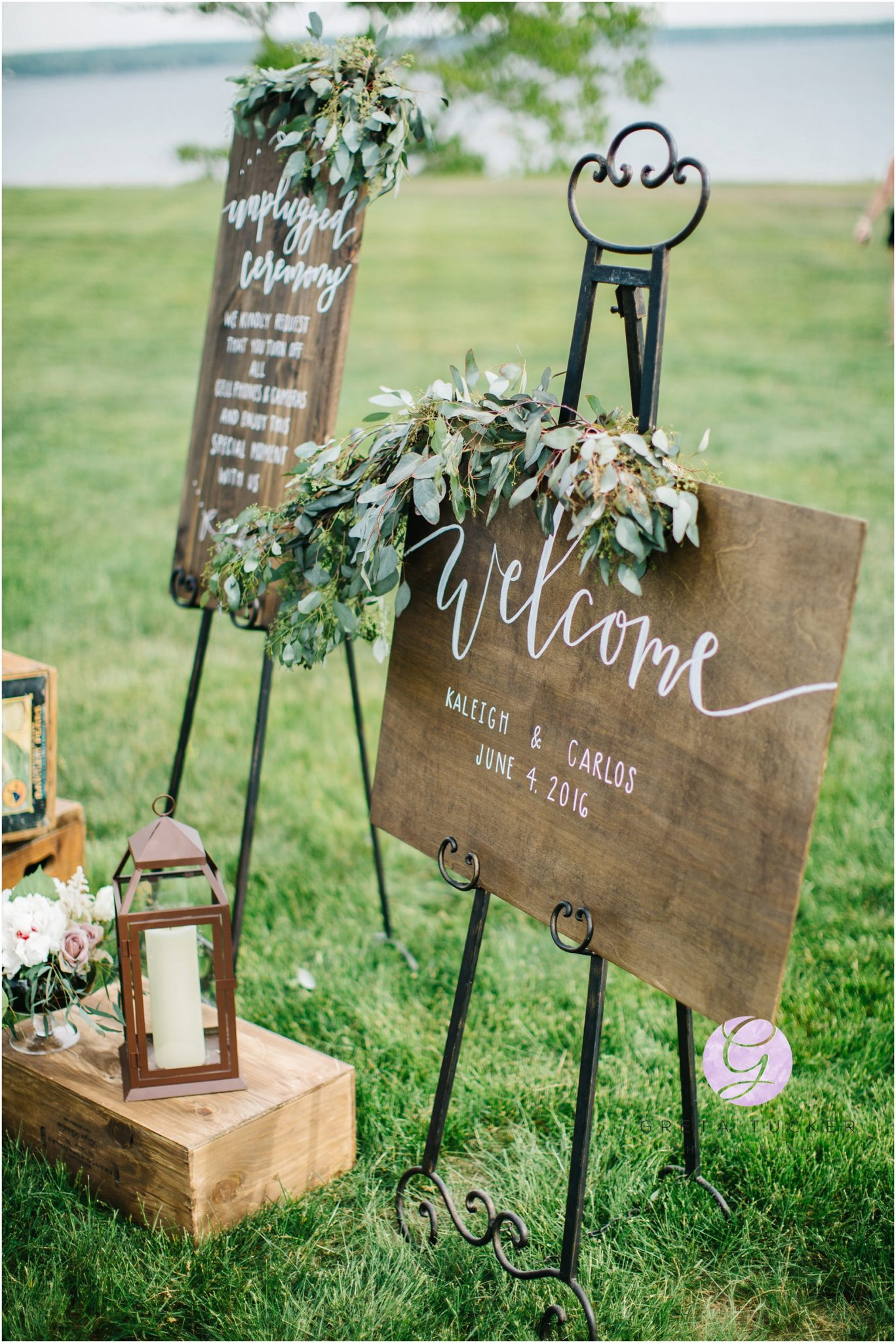 rustic wooden welcome sign wedding display